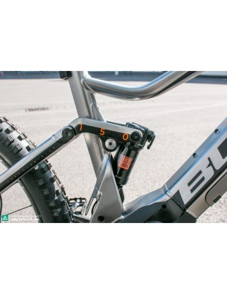 SIX50 EVO AM 4 bulls-E-Mountainbike-suspension trasera 150 mm