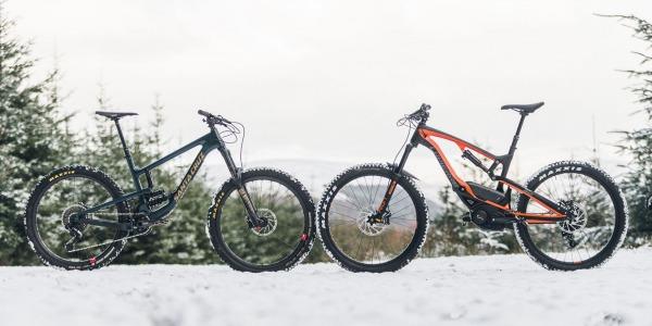 eMTB vs. Bici de Enduro ¿Un eMTB me ralentizará en los descensos?