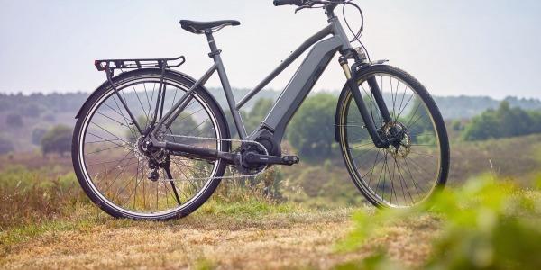 Shimano lanza nuevo motor STEPS más ligero y eficiente para las bicicletas eléctricas de ciudad y trekking (senderismo)